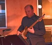 Nils Lorenzen, Bass