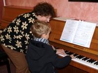 Die ersten Töne am Klavier