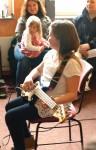 Bass ist die Gitarre mit 4 dicken Saiten