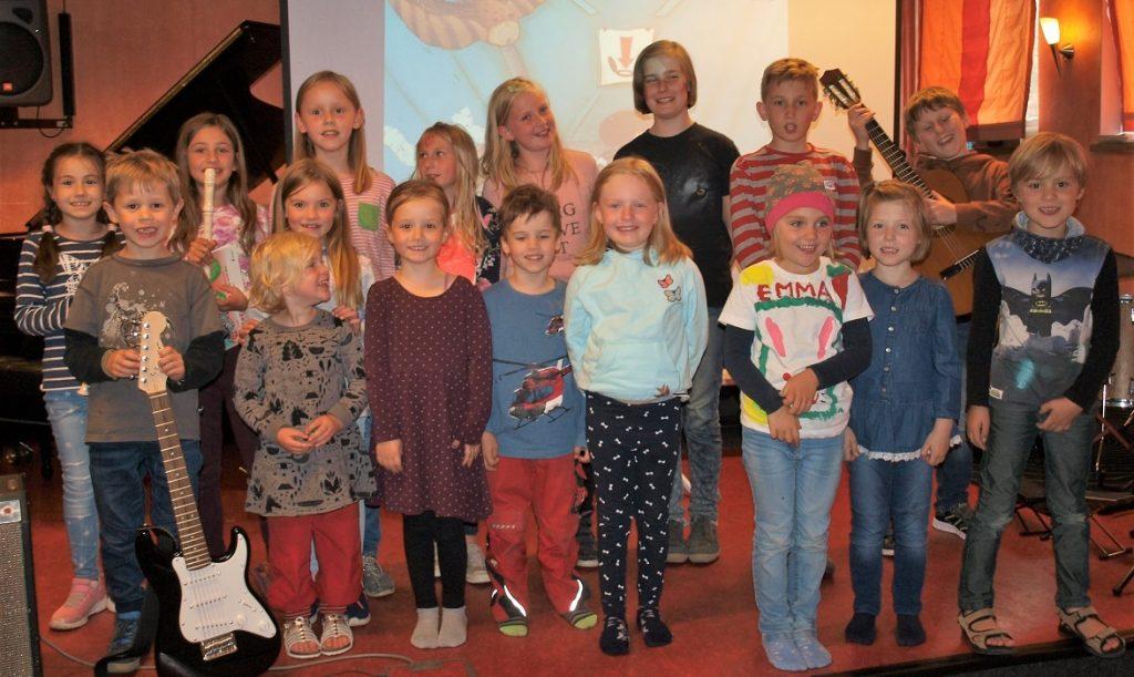 Junge Mitwirkende beim Bilderbuchkino mit Musik